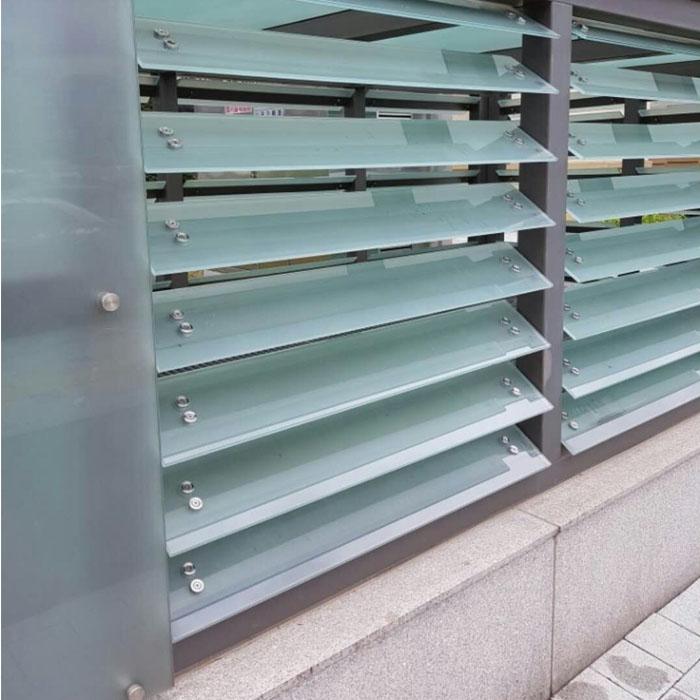 SGP-laminated-glass-louver-jalousie-window-glass